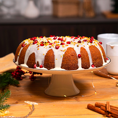 Gingerbread Bundt Cake con glassa al latte